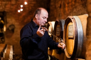 François Servin - Tradition in the Cellars, Flamboyant in Person